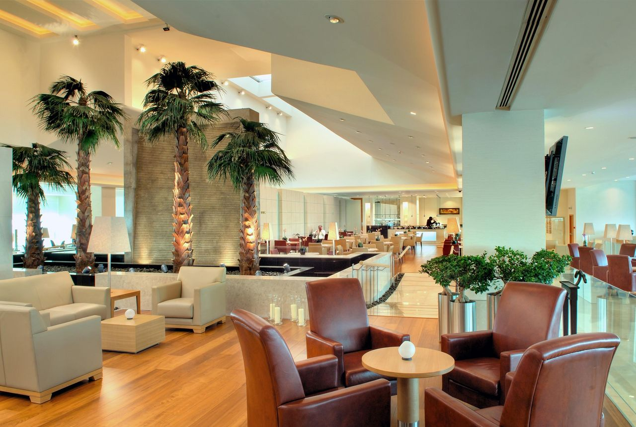 The World's Best First Class Lounges